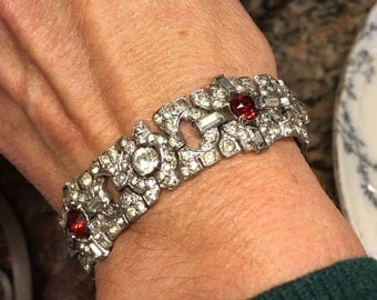 Red and clear vintage Rhinestone bracelet    VJSE