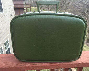 1970s vintage green luggage, nesting or stacking Suitcase for crafting or vintage home decor.