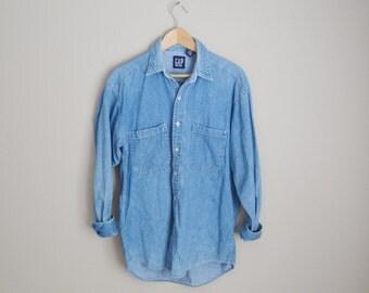 vintage gap denim jean chambray shirt --mens medium -- womens large