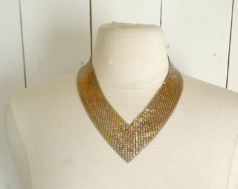 Flash Sale 25% Off Chain Mesh Necklace 1970s Glamour High Fashion Vintage Gold Tone V Necklace