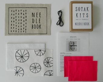 sew your own pouch kit screen printed Essex linen by sotakhandmade