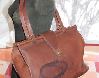 Vtg. Distressed / Water Mark large Coach leather Shoulder Bag