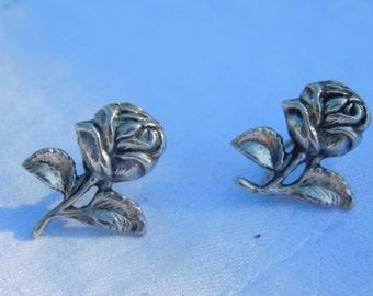 Pair of Vintage Sterling Silver Flower Screw Back Earrings