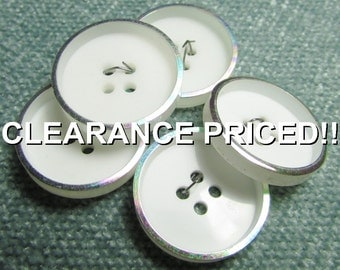 """A Rainbow on Their Rim: 7/8"""" (22mm) Buttons - Set of 5 Vintage New / Unused Matching Buttons"""