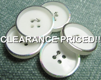 """CLEARANCE! A Rainbow on Their Rim: 7/8"""" (22mm) Buttons - Set of 5 Vintage New / Unused Matching Buttons"""