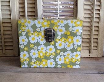 ON SALE File Box Retro File Box Green Daisy Daisies