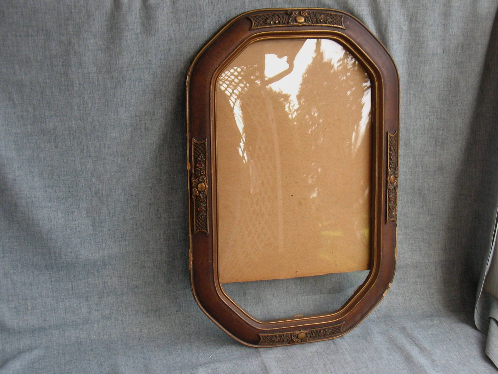 Vintage convex octagonal wood picture frame gold gesso bubble vintage convex octagonal wood picture frame gold gesso bubble glass victorian jeuxipadfo Image collections