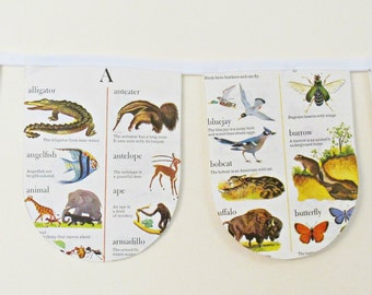 Animal Dictionary Bunting. Little Golden Book Children Room Decoration. Decor Garland White Photo Prop. Domum Vindemia Handmade Upcycled