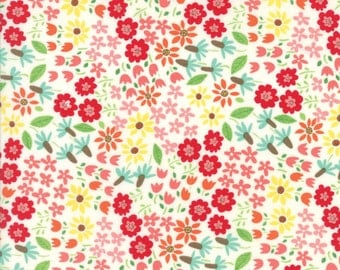 Farm Fun Wild Flowers in Milk, Stacy Iest Hsu, 100% Cotton Fabric, Moda Fabrics, 20533 11