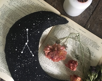 Psychic Dream Pillow ~ Crescent Moon Black Linen Pillow with Stars & Zodiac Sign ~ Filled with Lavender Mugwort ~ Witch Occult Astral Sleep