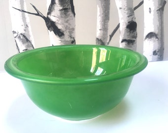 Vintage Pyrex nesting/mixing glass bowls green/pink/salmon/coral