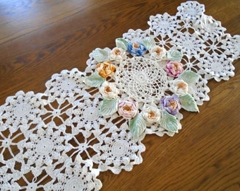 Hand Made Lace Table Runner / White Lace Vintage Runner / Dresser Scarf / Intricate Crochet Lace / Victorian Lace / Keepsake Lace Runner