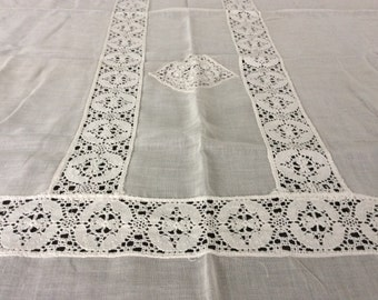 Vintage Gauzy Cotton Table Cloth with Lace , Vintage Linens, Vintage Textiles, Vintage Lace Tablecloth