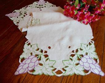 Linen Madeira Table Runner Vintage Table Linens Dresser Scarf