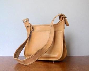 Vintage Coach Leather Hobo Bag / Purse / Handbag Metal Feet M9N-9966