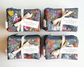 Floral Coin Purse, Zipper Pouch, Wallet, Pencil Bag, Pencil Pouch, Change Purse, Gift Card Holder, Gift for Her, Under 20, Purse Organize