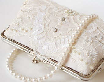 Royalty Chantilly wedding Lace Clutch in Champange, Spring wedding, Vintage inspired , wedding bag, Bridal clutch