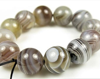 Quality Beautiful Botswana Agate Round Bead  - 10 mm - 12 beads - B7214