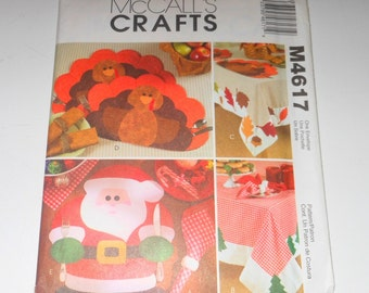 McCalls Crafts Holiday Table Settings For Napkins - Tablecloth - Turkey And Santa Placemats UNCUT Pattern Number M4617 - DIY Holiday's
