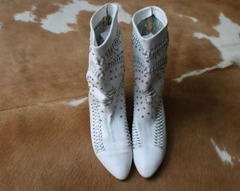 Women's 6 1/2 / White Moccasin Boots / Woven Leather, Studded Booties / Vintage Lizard Skin Shoes