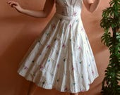 1950s White Novelty Print Dress Full Skirt Small AS IS
