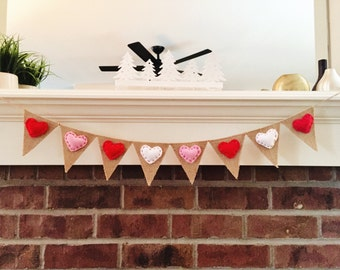 Valentines Day Decor - Mini Felt Heart Banner - Valentines Day Banner - Valentine Garland - Valentine Photo Prop, Mini Banner, Heart Bunting