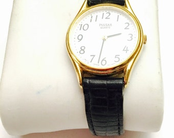 Vintage PULSAR Ladies Wrist Watch, Gold Tone, Rigid Band, Quartz, Winter Sale, Item No.B 462