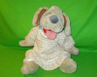"WRINKLES Plush Hand Puppet Dog Vintage GANZ 1981 17"" tall Stuffed Animal Girl"