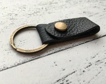 Black leather keychain - leather keyring - for him - gifts for men - boyfriend gift - groomsmen - for husbands - new home - new car, Etsy UK