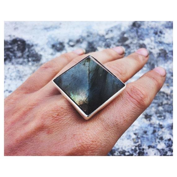 BESPOKE LABRADORITE RING - Limited edition- Sterling Silver Ring- Labradorite Ring- Pyramid ring- Chakra Ring- Statement Ring- Bohemian.