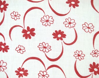 Vintage Floral Feedsack Fabric, Red Flowers on Off White Background, 1940s Cotton Flour Sack Material 40 x 37