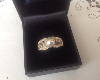 Sterling Silver 925 Marquisite and Pearl Ring, Sz 9 1/4 Sterling Silver Ring, Silver Pearl and Marquisite ring