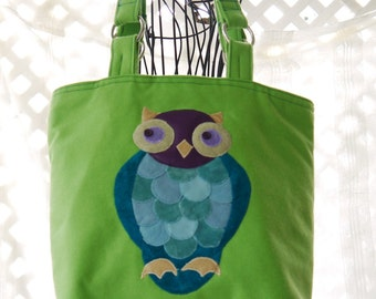 Owl, Owl Tote, Owl Purse, Medium Purse, Purse, Large Purse, Tote, Green Tote, Medium Tote, Appliqué Owl, Owl Designer Purse, Shoulder Bag
