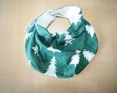 SALE - Organic Cotton Baby Scarf Bib, Baby Christmas Bandana Bib, Baby Bib, Bandana Bib, Drool Bib, Green Tree Scarf Bib, Baby Shower Gift