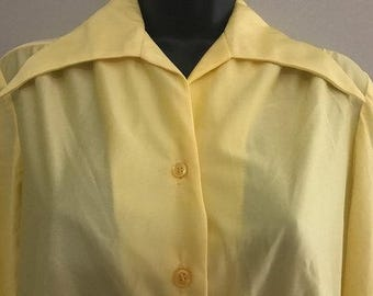 Vintage Yellow Long-Sleeved Button Up Blouse / Light Weight Sheer Button Up Yellow Blouse Size Large