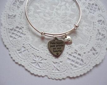 Pet Bracelet, Pet Loss Bracelet, Pet Sympathy Bracelet, Pets Leave Pawprints....., Pet Bangle Bracelet
