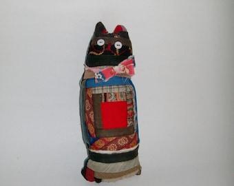 Vintage Primitive Cat c.1870 Log Cabin Quilt Salvaged Handmade Collectible Vintage Button Eyes