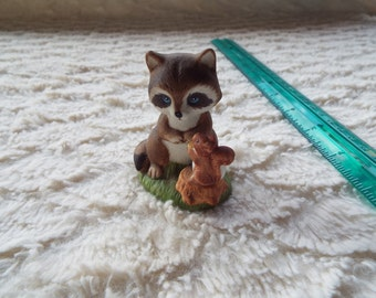 Homco-1418-Bisque Figurine-Raccoon with Squirrel on Stump #BIN2010 (30.00+ coupon TOYOU4FREE  For free shipping!)