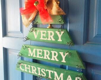 Christmas Door Hanger, Christmas Tree Hanger, Christmas Wall Hanging, Holiday Decoration, Green Christmas Tree, Christmas Decor, Plank Art