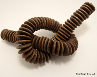 Wood coin beads, 20mm - 1/3 strand (28 pieces)