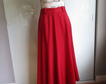 """Lord and Taylor Red Wool Skirt with 52"""" Sweep Vintage Size 10"""