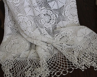 French vintage crochet bed coverlet, French crochet bedspread, French crochet bed cover, French antique bed cover, French antique linens,