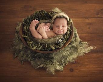Newborn photo prop Baby blanket Newborn prop blanket Chunky knit blanket Newborn layer Basket stuffer blanket Mini photography blanket
