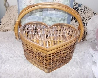 Heart Shaped Wicker Basket, Vintage Basket, Heart,Storage ,Organization,Vintage home Decor
