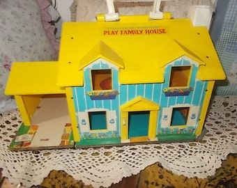 Fisher Price Yellow Little People Doll house,Vintage Fisher Price Doll House,Fisher Price Little People, Doll house,Yellow Doll House :)s