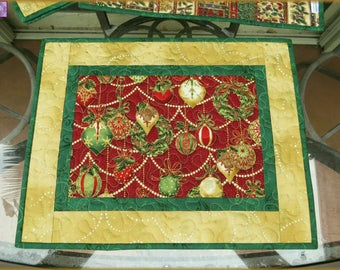 Quilted Holiday Placemat Christmas Ornaments 616