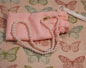 Avon Childrens Pearly Perfectiont Necklace in Pink - Vintage 1987