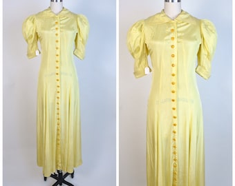 Vintage 1930s Dress 30s Dressing Gown with Bakelite Buttons Puffed sleeves Hourglass Shape