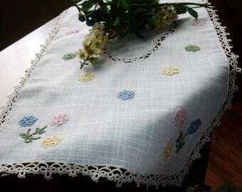 "linen dresser scarf, table runner, crocheted lace, girls room, baby room, pastel shades, linen runner, vintage 1980s decor, 29x13.5"""
