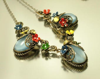 Antique Art Deco 1920s 1930s Czech blue satin / marbled glass and painted flower costume necklace jewelry